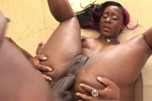 Sensual black minx receives an anal..