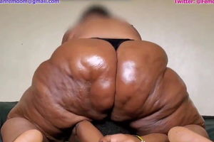 Squeezed By a Ebony SSBBW  (my dream)
