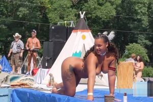 Big Native Yankee Hunni Monroe gets..